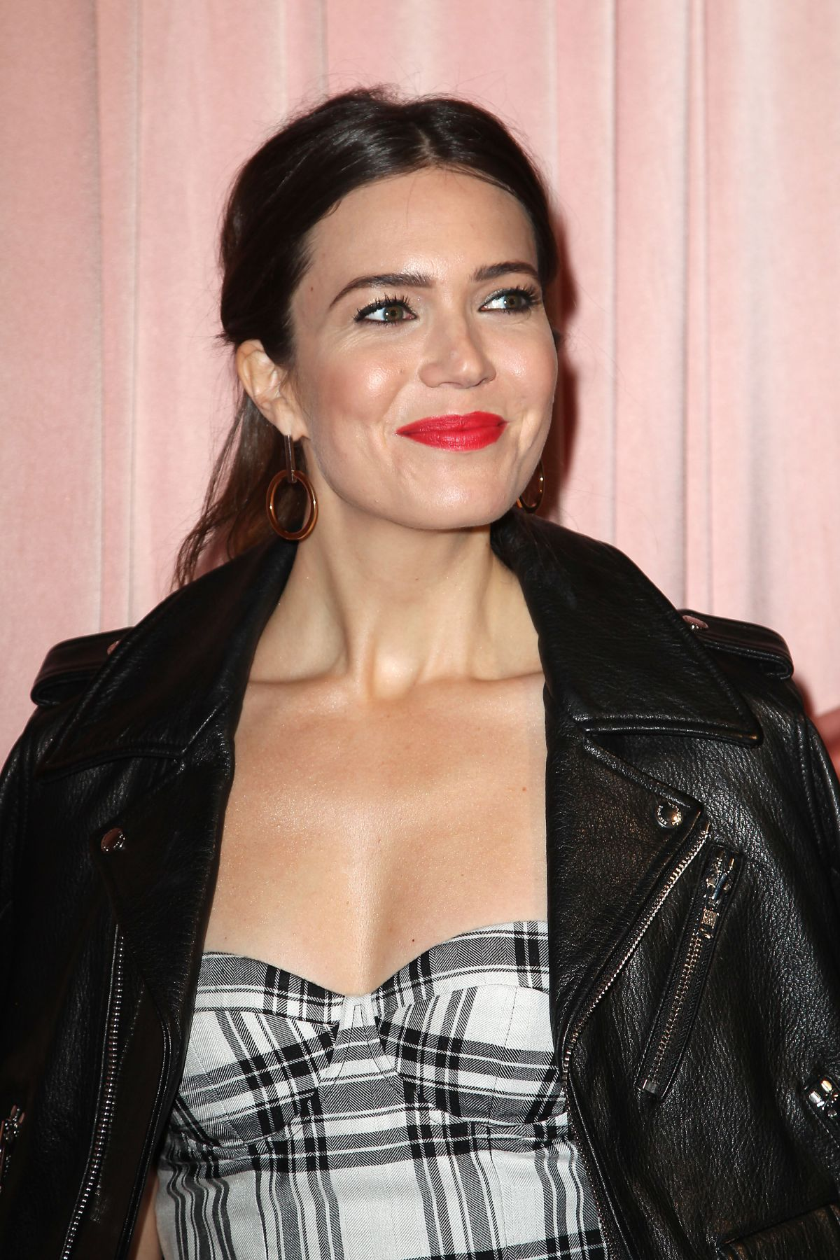 MANDY MOORE at Aice+Olivia by Stacey Bendet Presentation in New York 02/14/2017   mandy-moore-at-aice-olivia-by-stacey-bendet-presentation-in-new-york-02-14-2017_6