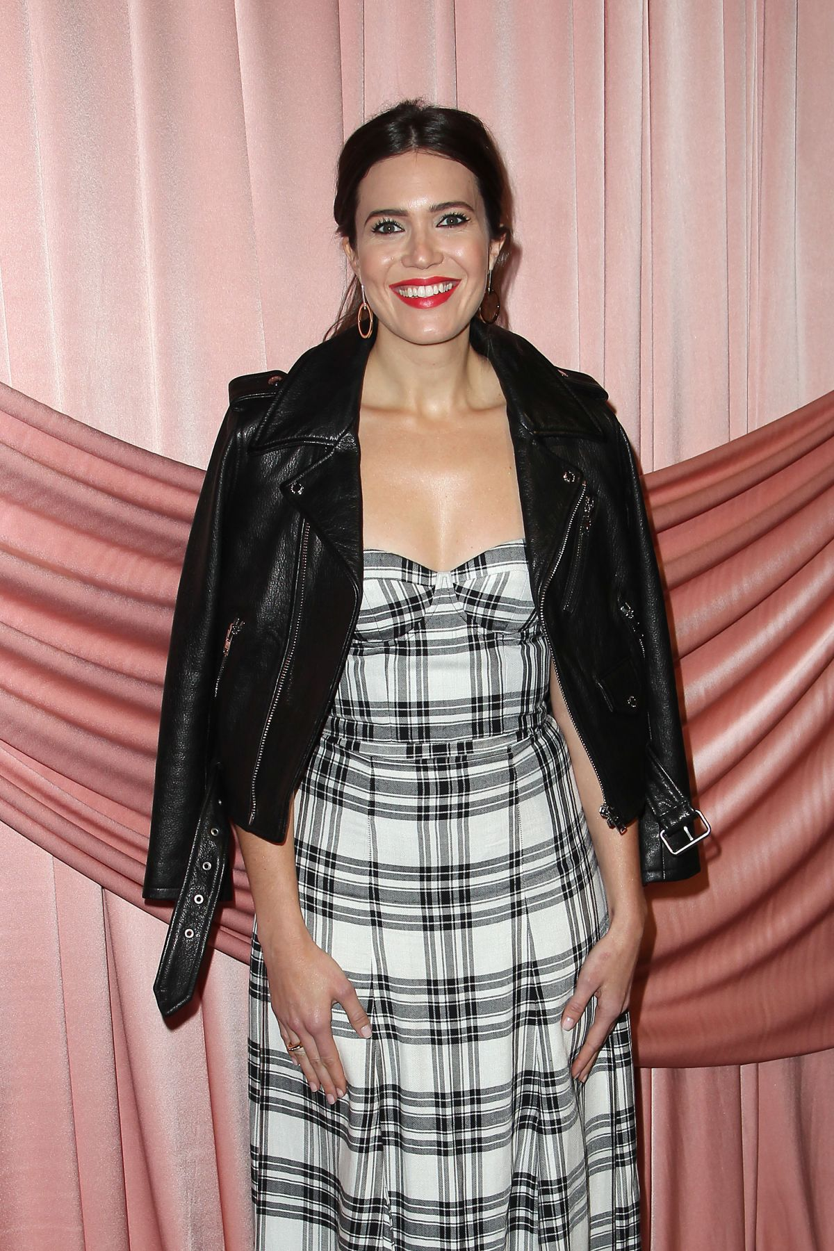 MANDY MOORE at Aice+Olivia by Stacey Bendet Presentation in New York 02/14/2017   mandy-moore-at-aice-olivia-by-stacey-bendet-presentation-in-new-york-02-14-2017_8