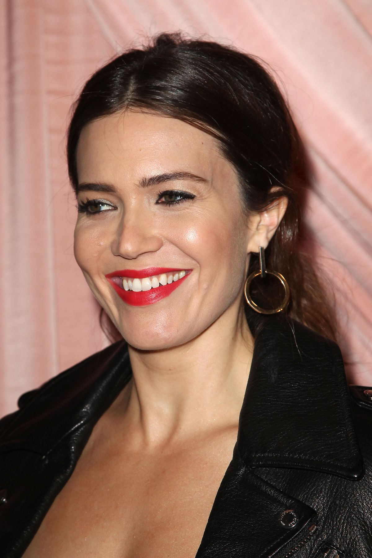 MANDY MOORE at Aice+Olivia by Stacey Bendet Presentation in New York 02/14/2017   mandy-moore-at-aice-olivia-by-stacey-bendet-presentation-in-new-york-02-14-2017_9