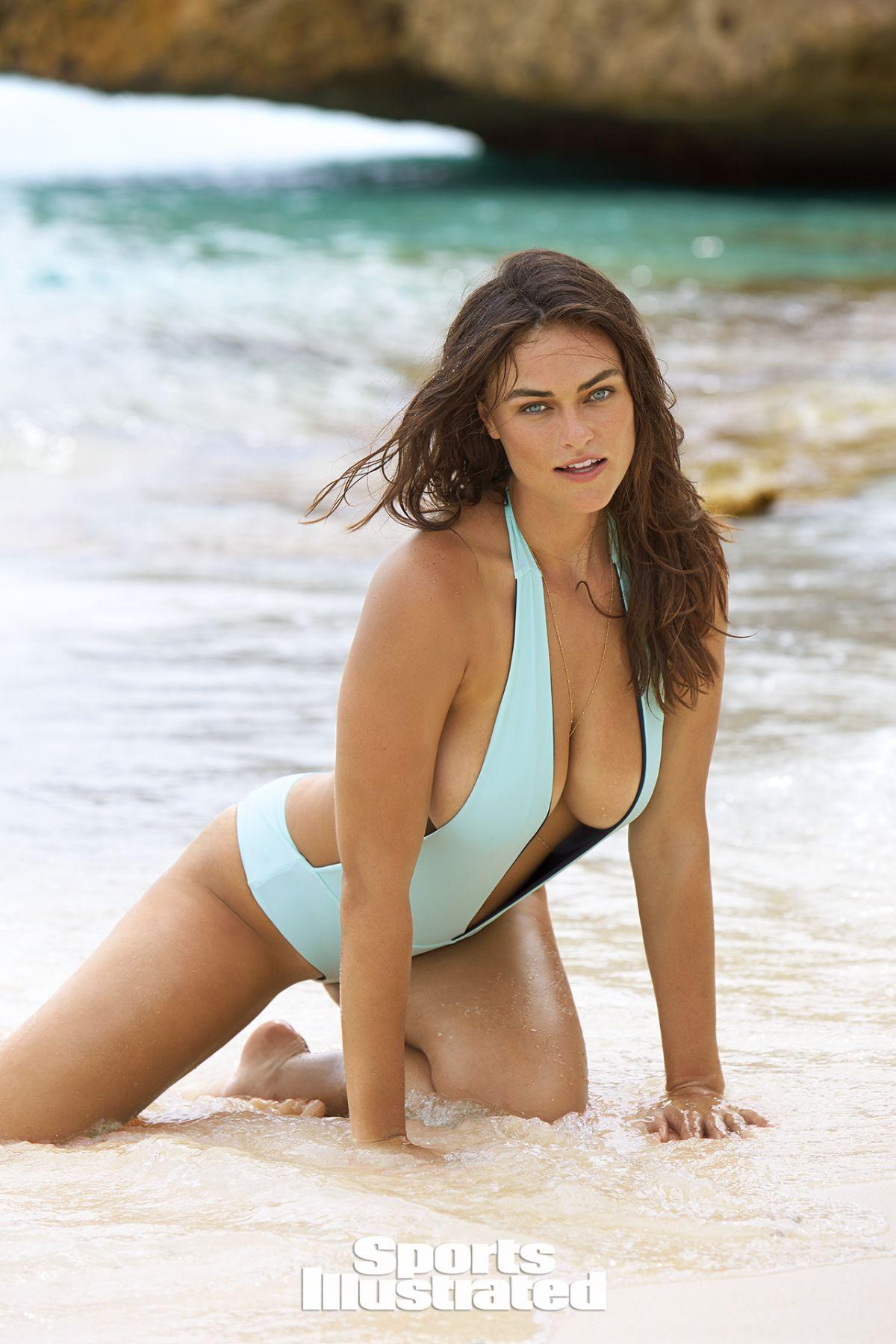 Myla Dalbesio Nude Photos 55