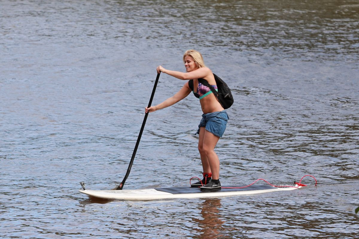 PAIGE VANZANT Paddle Boarding in Hawaii 02/19/2017