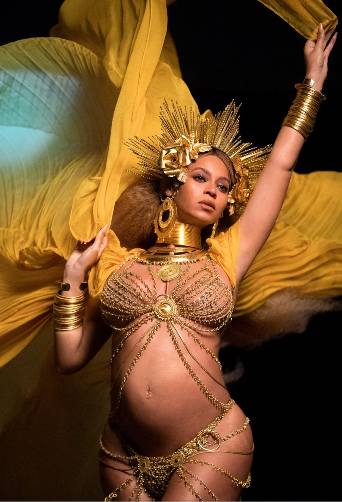 Pregnant BEYONCE Performs at 2017 Grammy Awards in Los ...