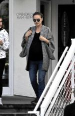 Pregnant NATALIE PORTMAN Out for Lunch in Silverlake 02/16/2017