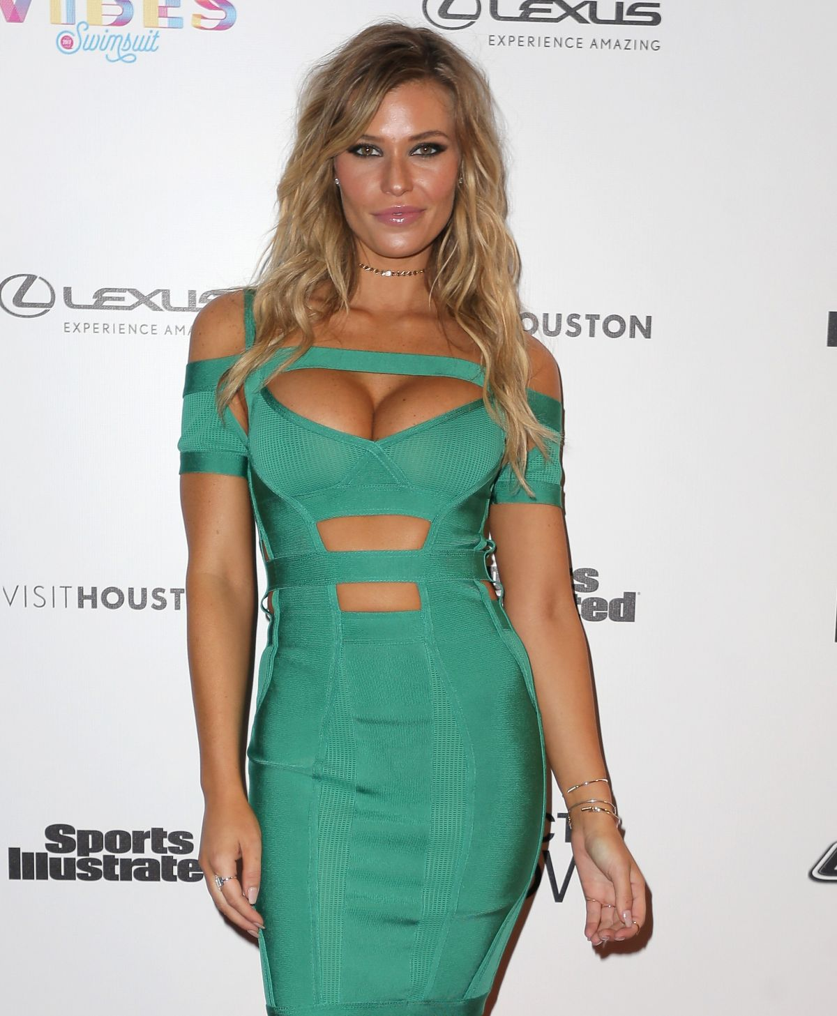 SAMANTHA HOOPES At Vibes By SI Swimsuit 2017 Launch Festival In Houston 02 17
