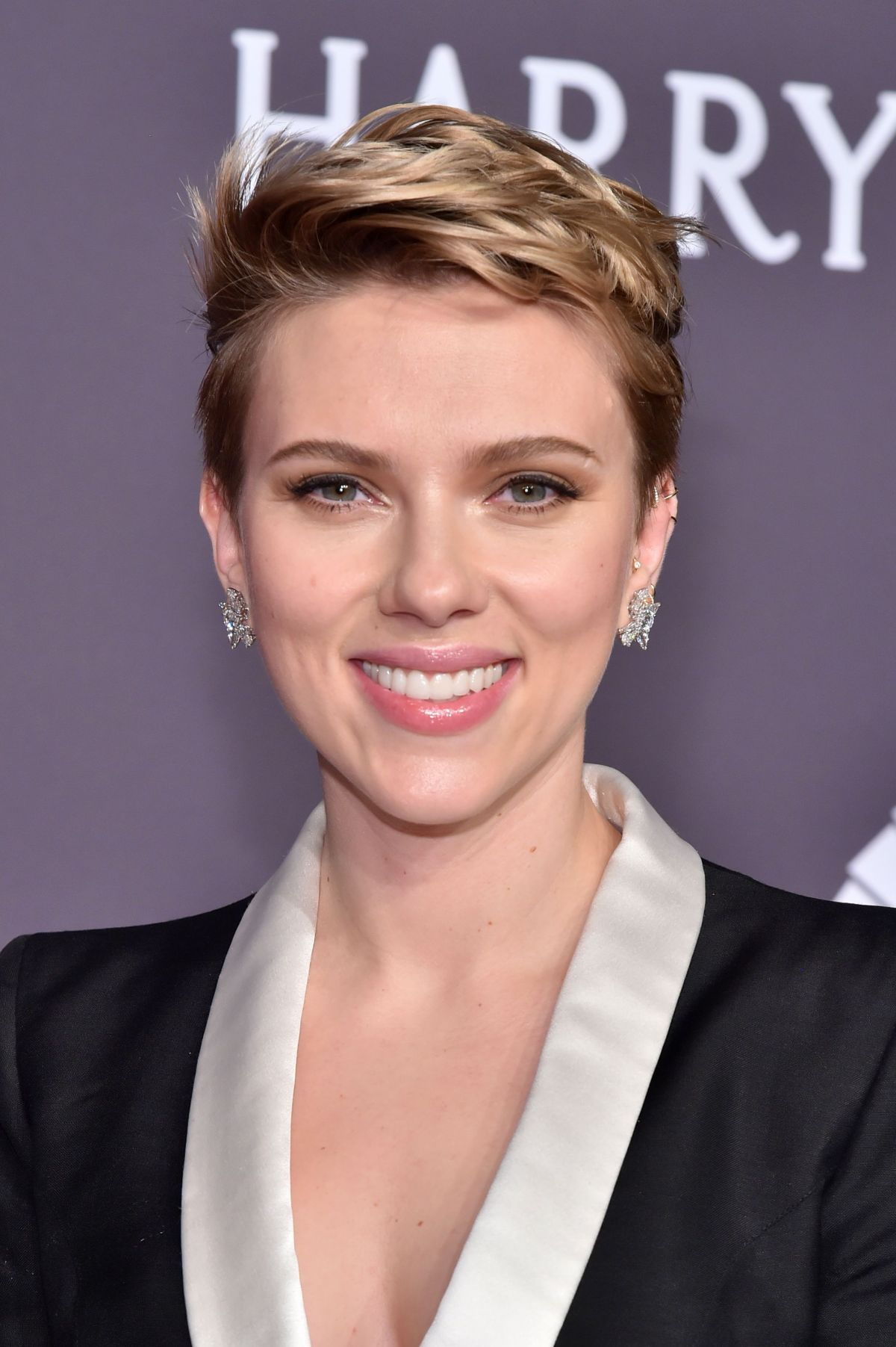Scarlett Johansson At Amfar 2017 New York Gala 02 08 2017