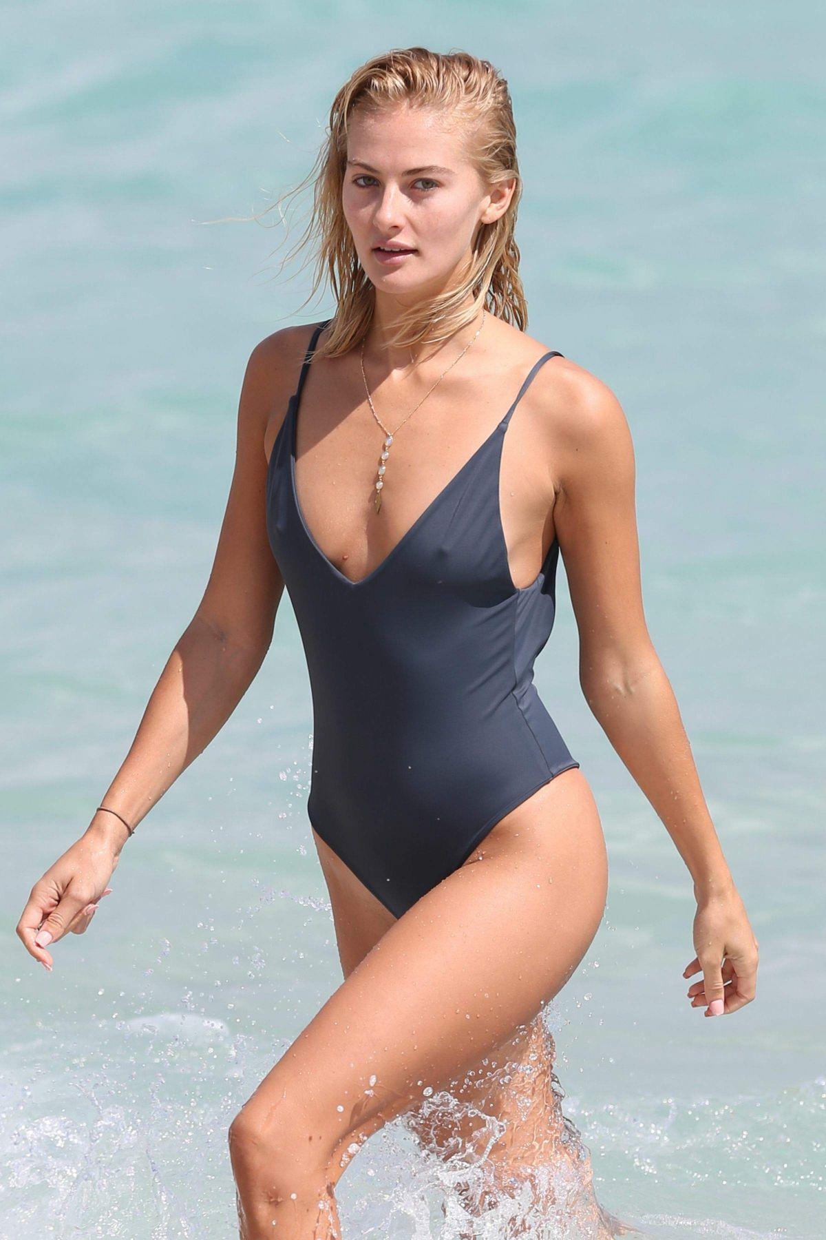 Bikini Selena Weber nudes (41 foto and video), Tits, Fappening, Boobs, swimsuit 2020