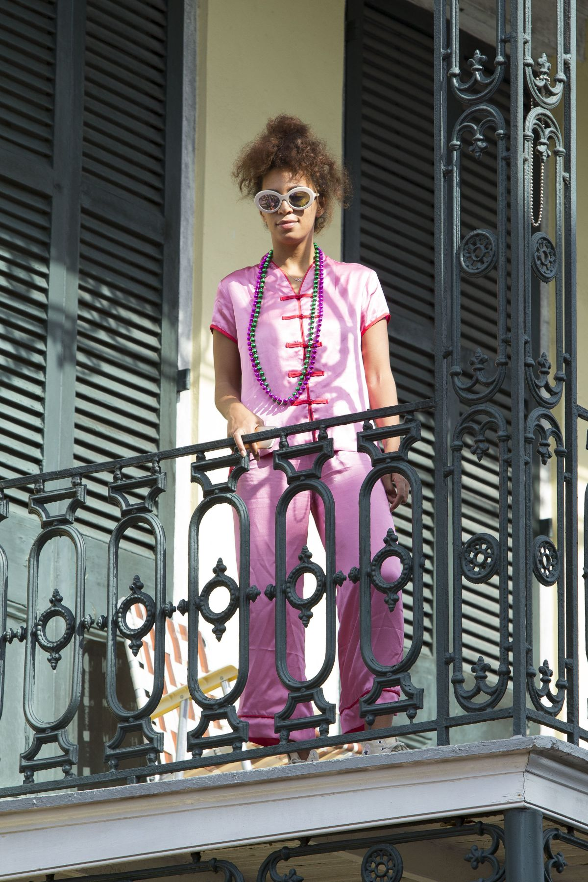 Solange knowles on a balcony in new orleans 02 19 2017 for 02 academy balcony