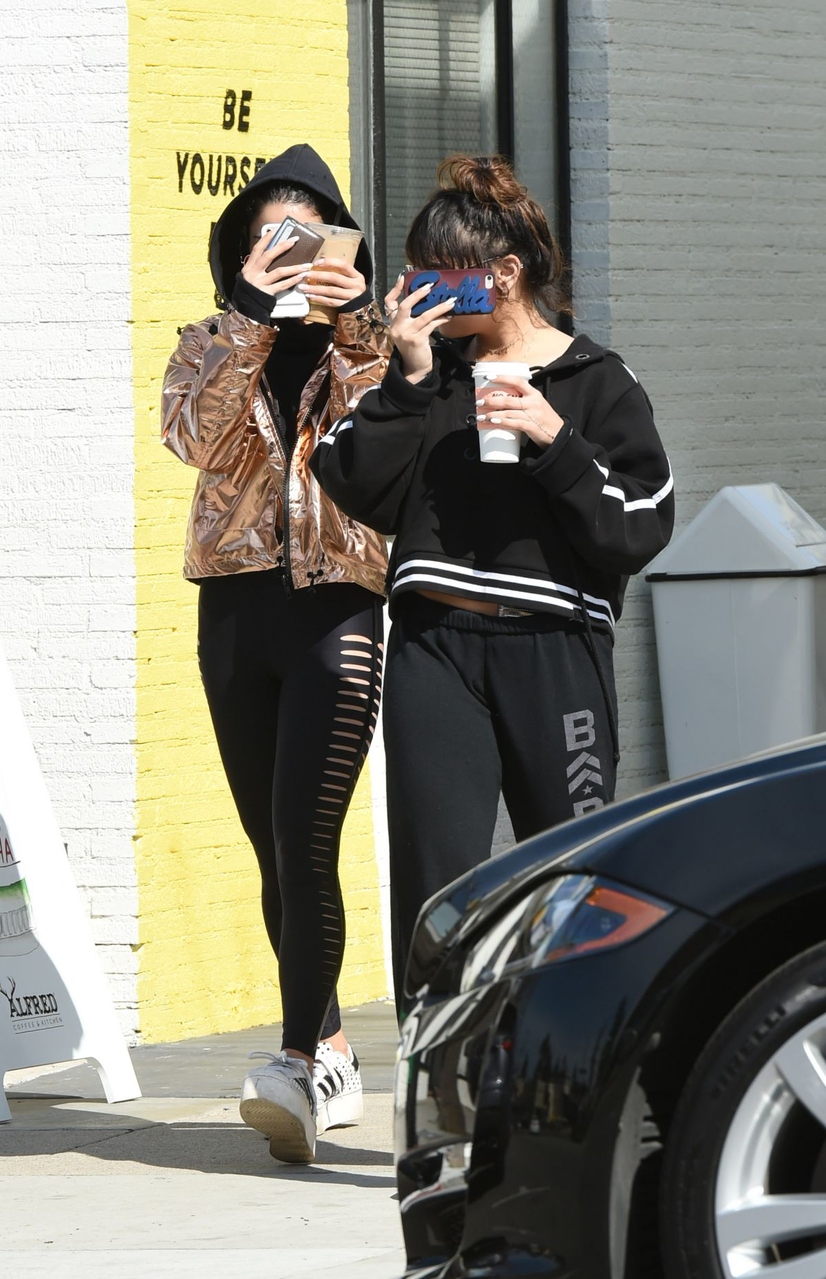 VANESSA and STELLA HUDGENS Out for Coffee in Los Angeles 02/25/2017