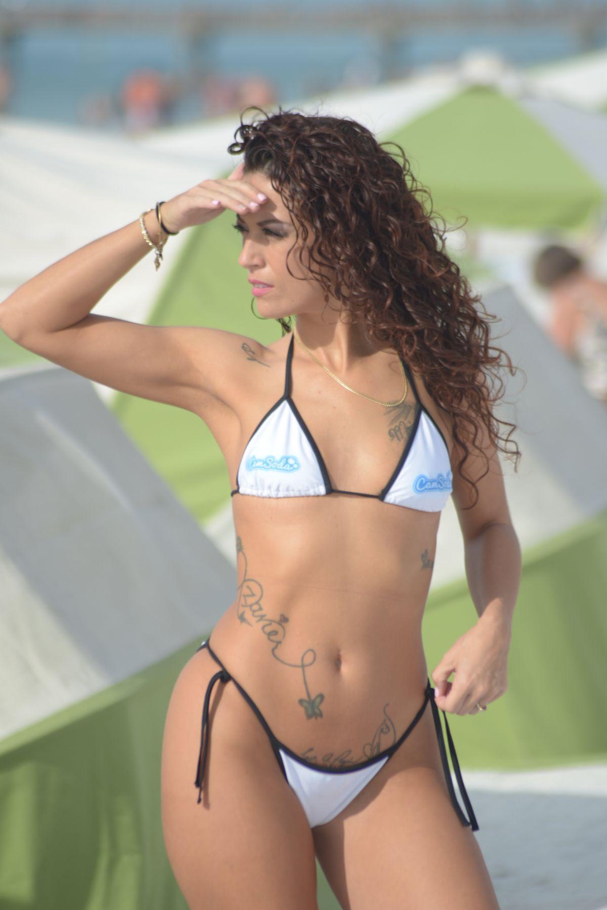 Bikini Victoria Banxxx nude photos 2019