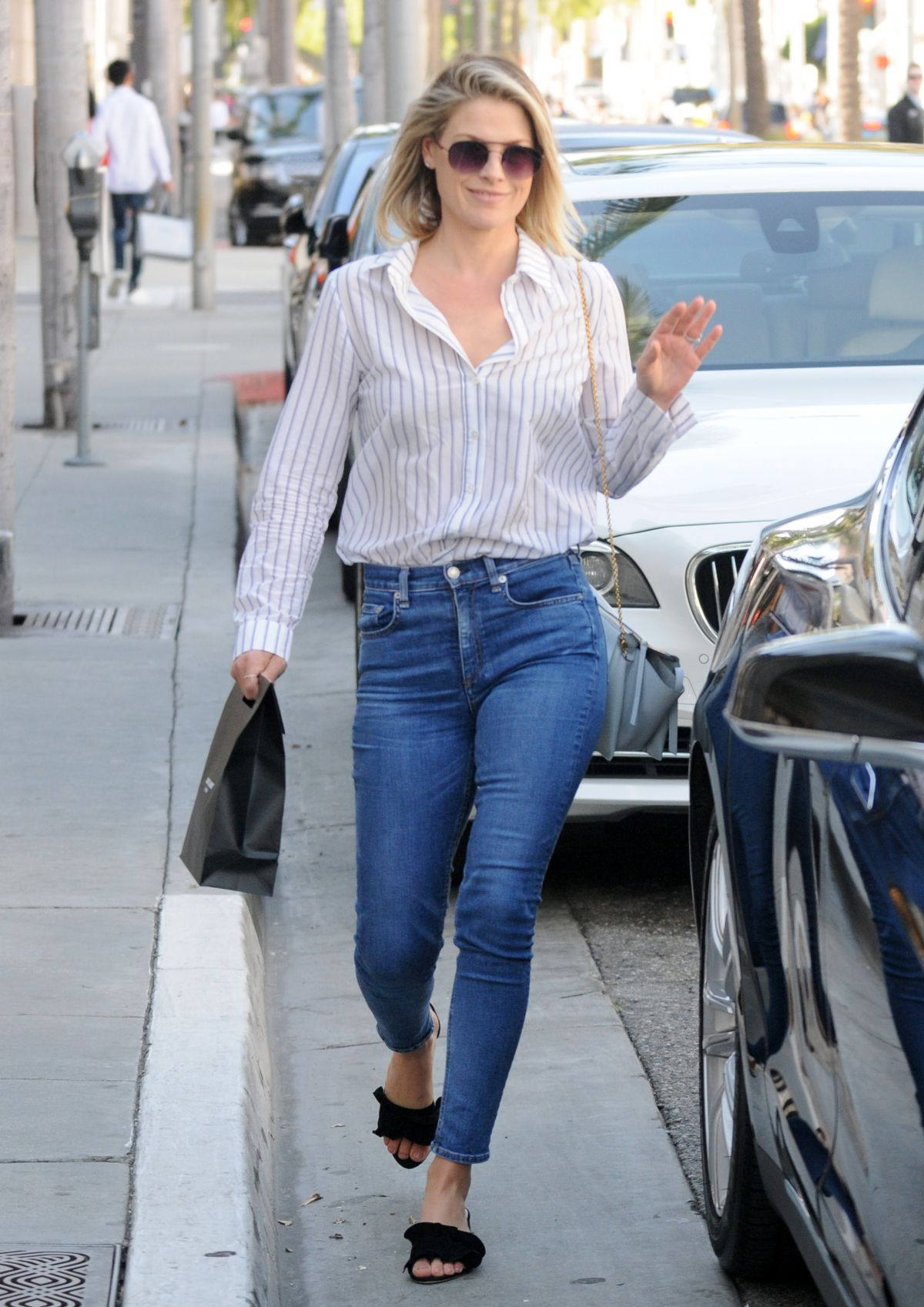 ALI LARTER Out in Los Angeles 06/20/2017 - HawtCelebs ...