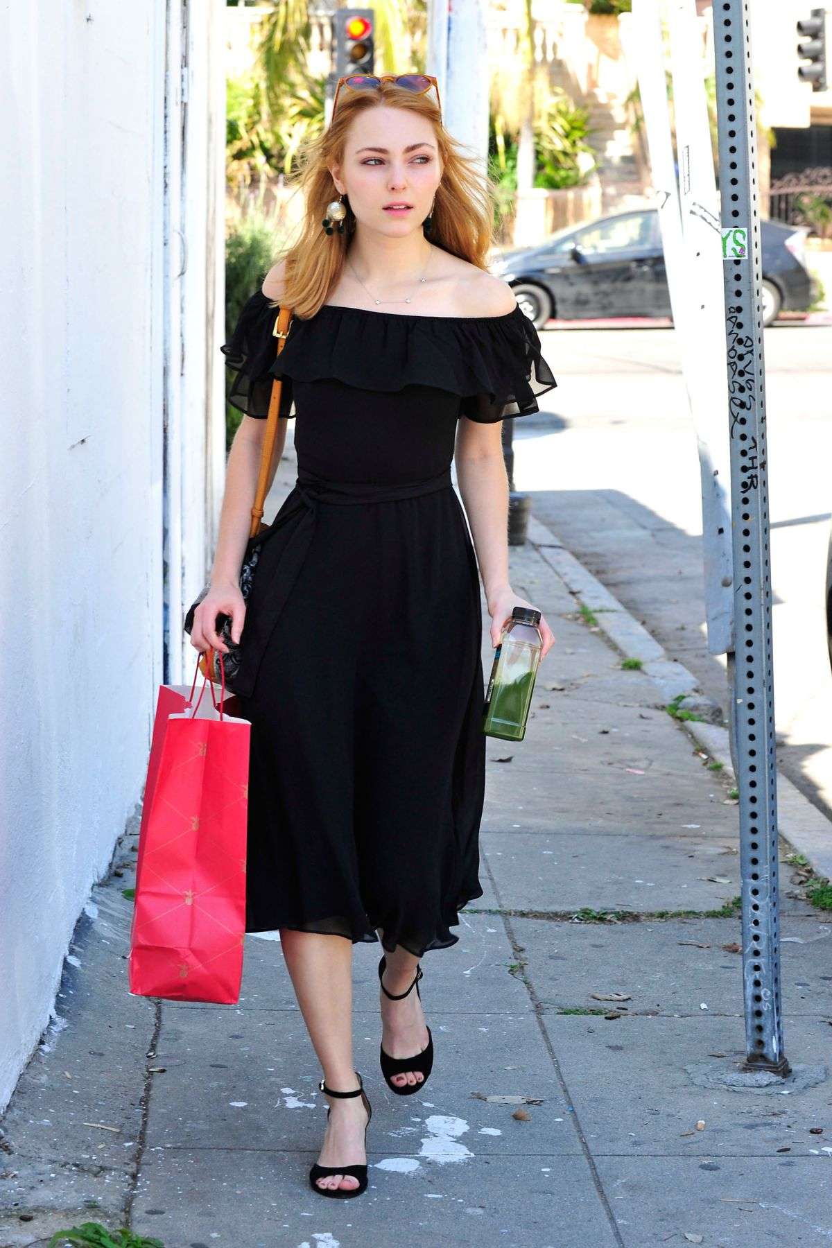 ANNASOPHIA ROBB Out Shopping in Los Angeles 03/20/2017