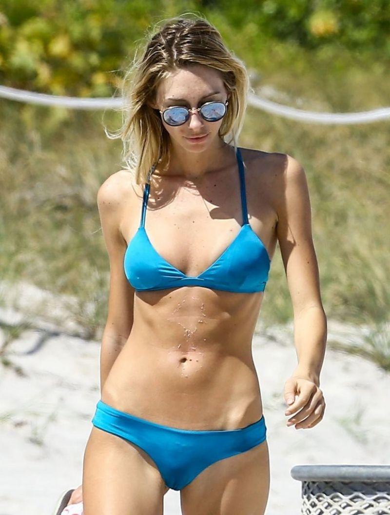 Brianna Beach Nude Photos 19