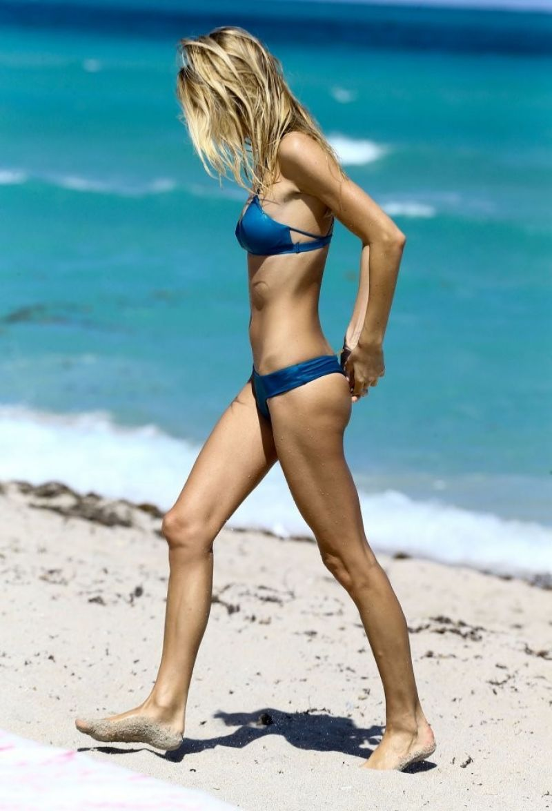 Brianna Beach Nude Photos 18