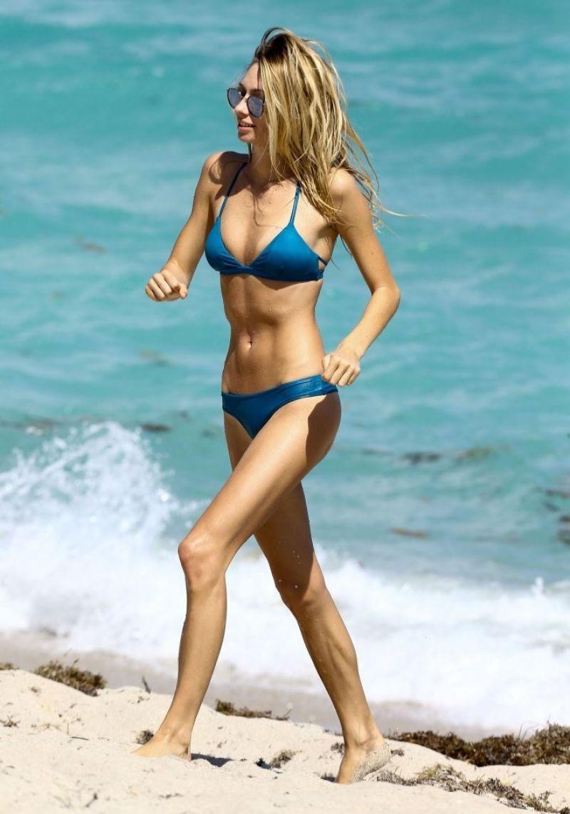 Brianna Beach Nude Photos 94