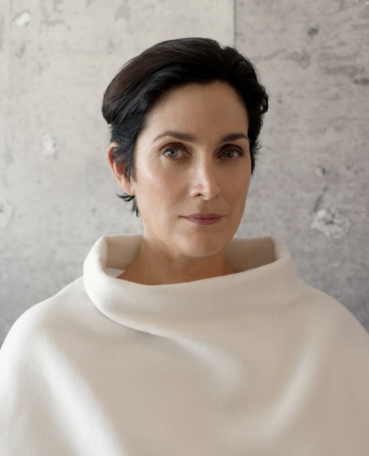 CARRIE-ANNE MOSS for Montecristo Magazine