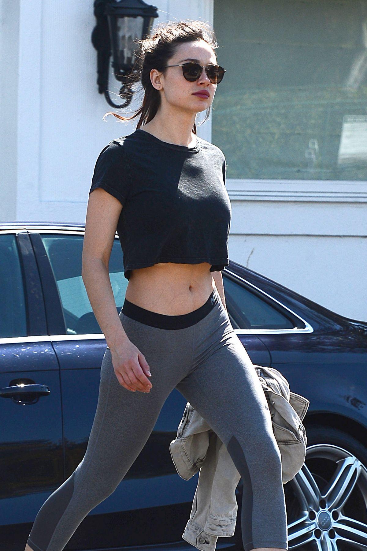Crystal Reed In Leggings Leaves A Gym In Los Angeles 03 07