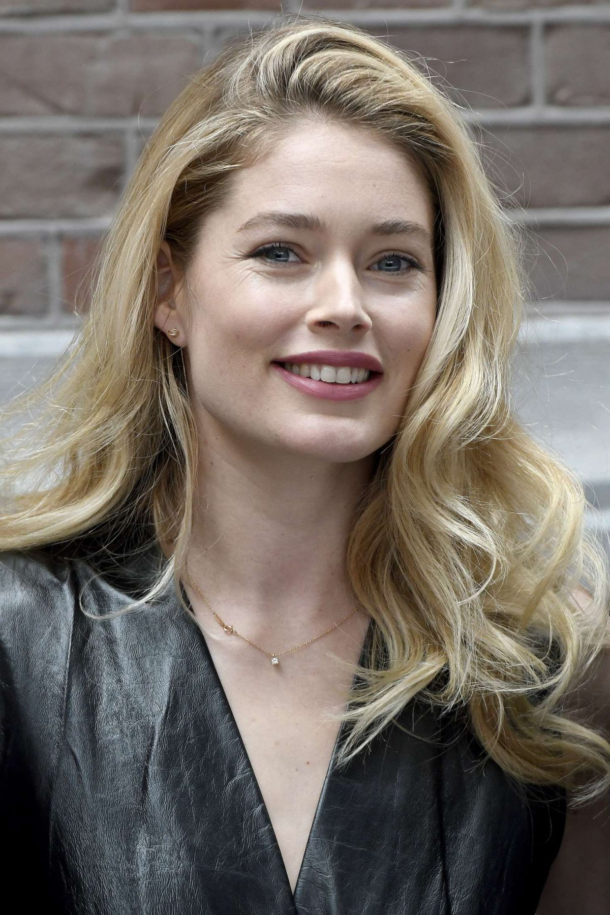 DOUTZEN KROES at Vogue Issue Lounge in Amsterdam 02/02/2017