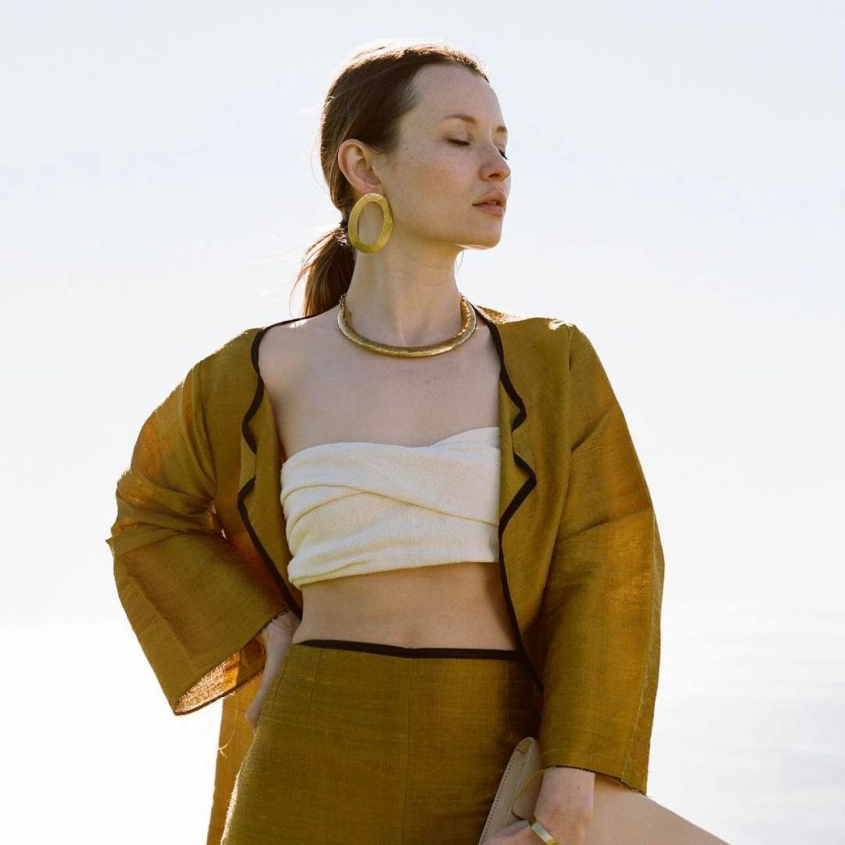emily browning 2017 - photo #4