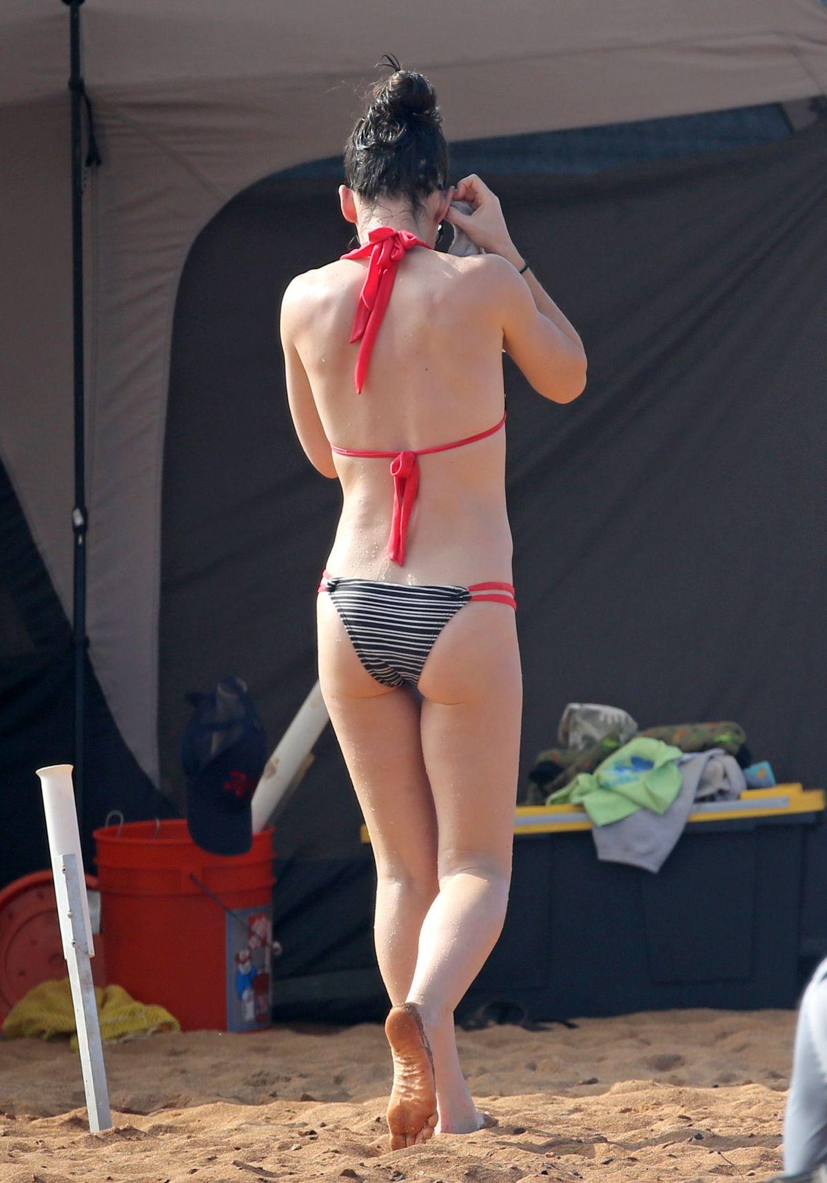 EVANGELINE LILLY in Bikini at a Beach in Hawaii 02/28/2017 ...