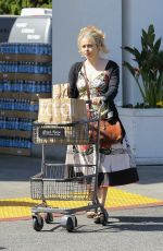 HELENA BONHAM CARTER Shopping at Bristol Farms in West Hollywood 03/08/2017