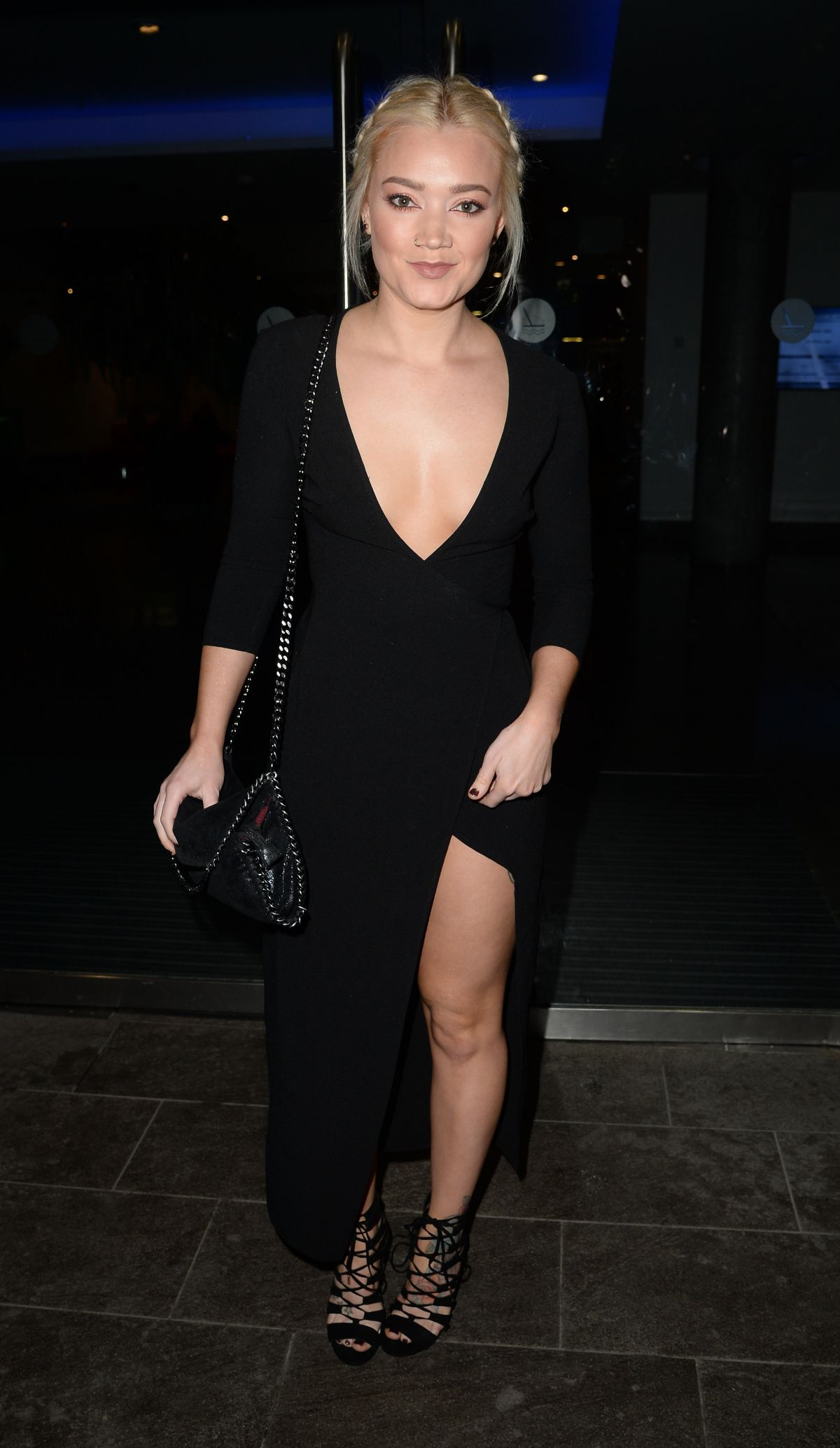 HOLLY JAY BOWES Arrives at Lowry Hotel in Manchester 03/03/2017