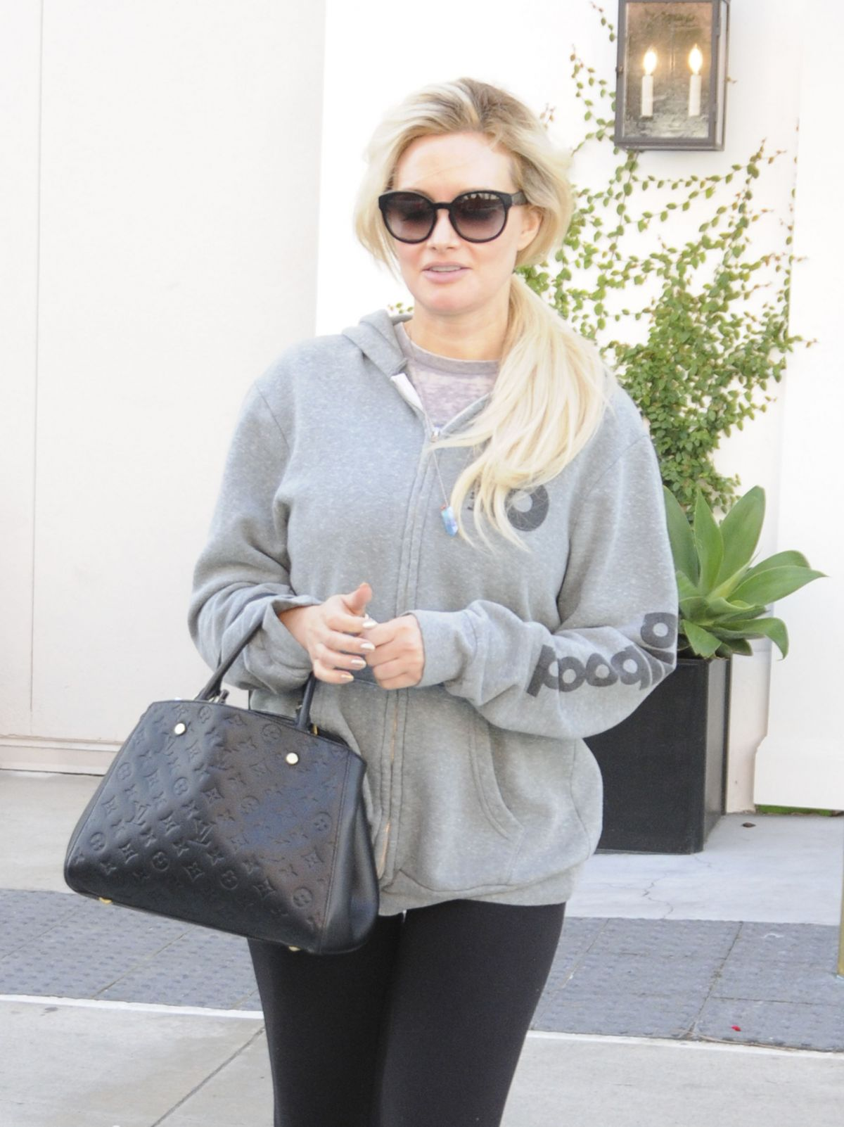 HOLLY MADISON Leaves Lancer Dermatology in Beverly Hills 03/22/2017