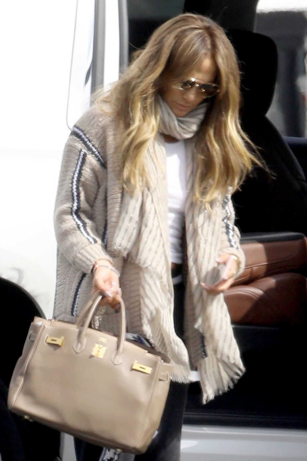 JENNIFER LOPEZ Arrives at a Private Flight at Van Nuys Airport 03/10/2017