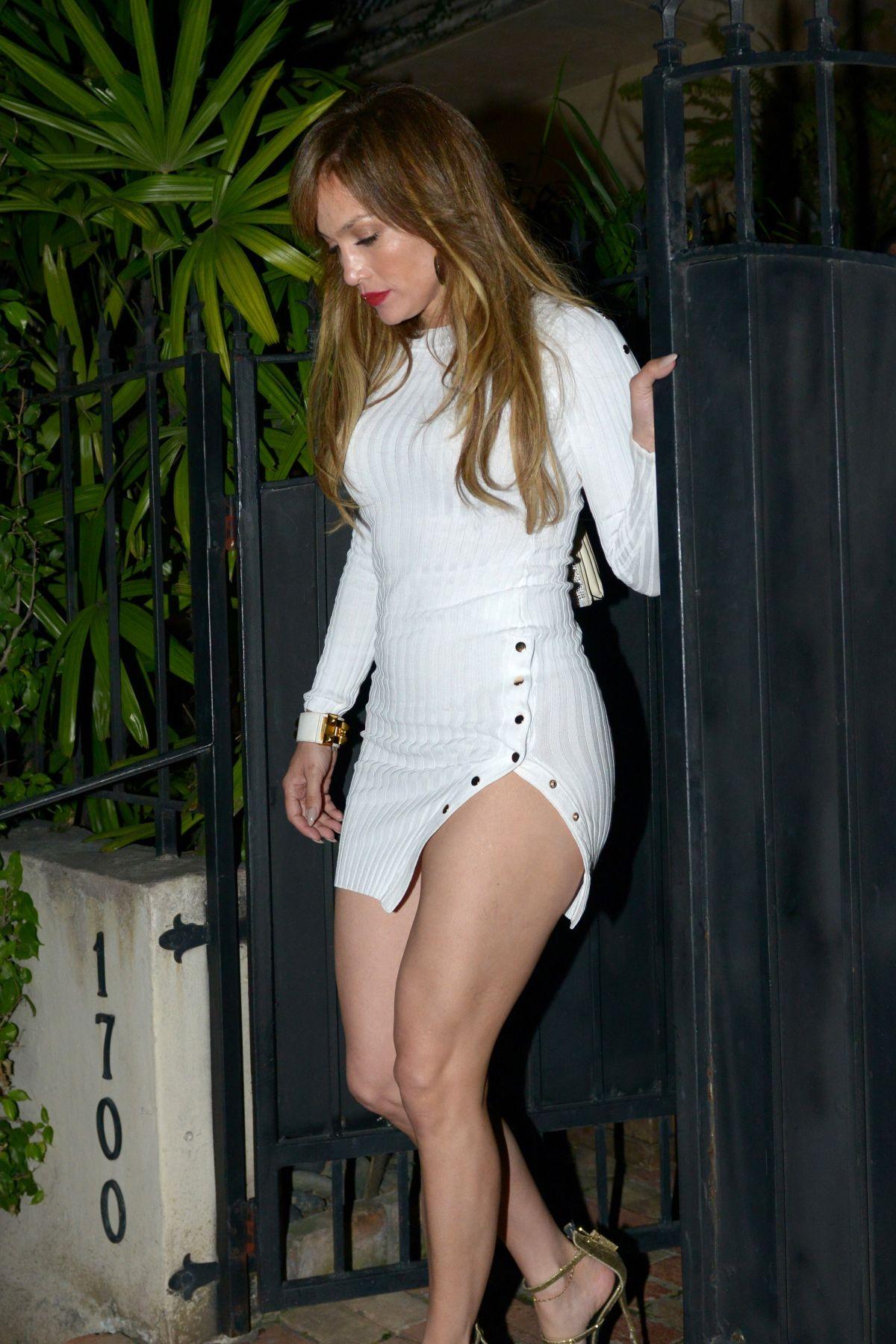 Watch 16. Jennifer Lopez video