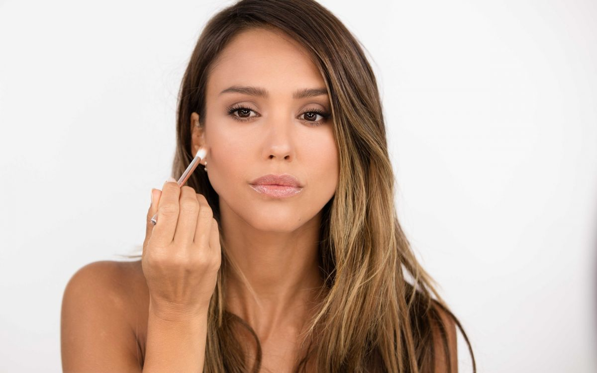JESSICA ALBA – Honest Beauty 'Girls Night Out' 2017 ... Jessica Alba