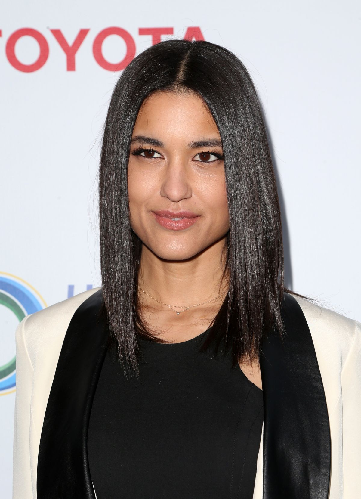 Julia Jones At Burberry Body Launch In Beverly Hills: JULIA JONES At UCLA Celebrates Innovators For A Healthy