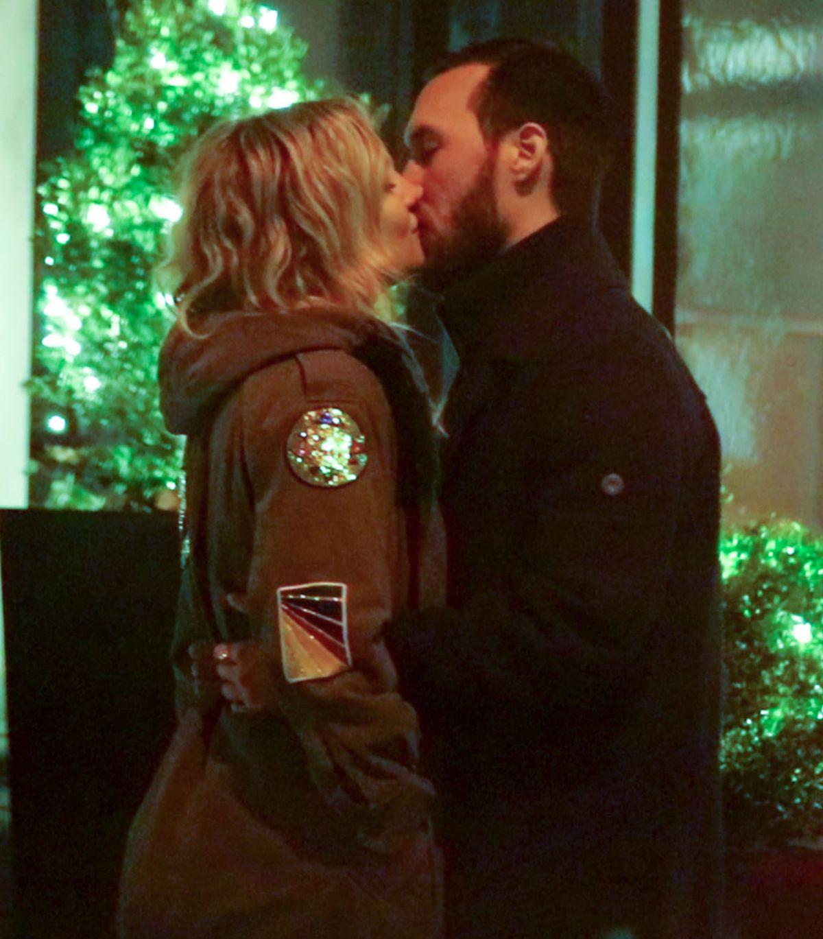 KATE HUDSON and New Boyfriend Danny Fujikawa Kising Out in New York 03/26/2017