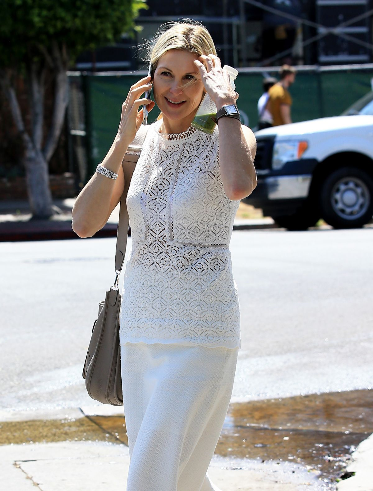 KELLY RUTHERFORD Out in Los Angeles 03/28/2017