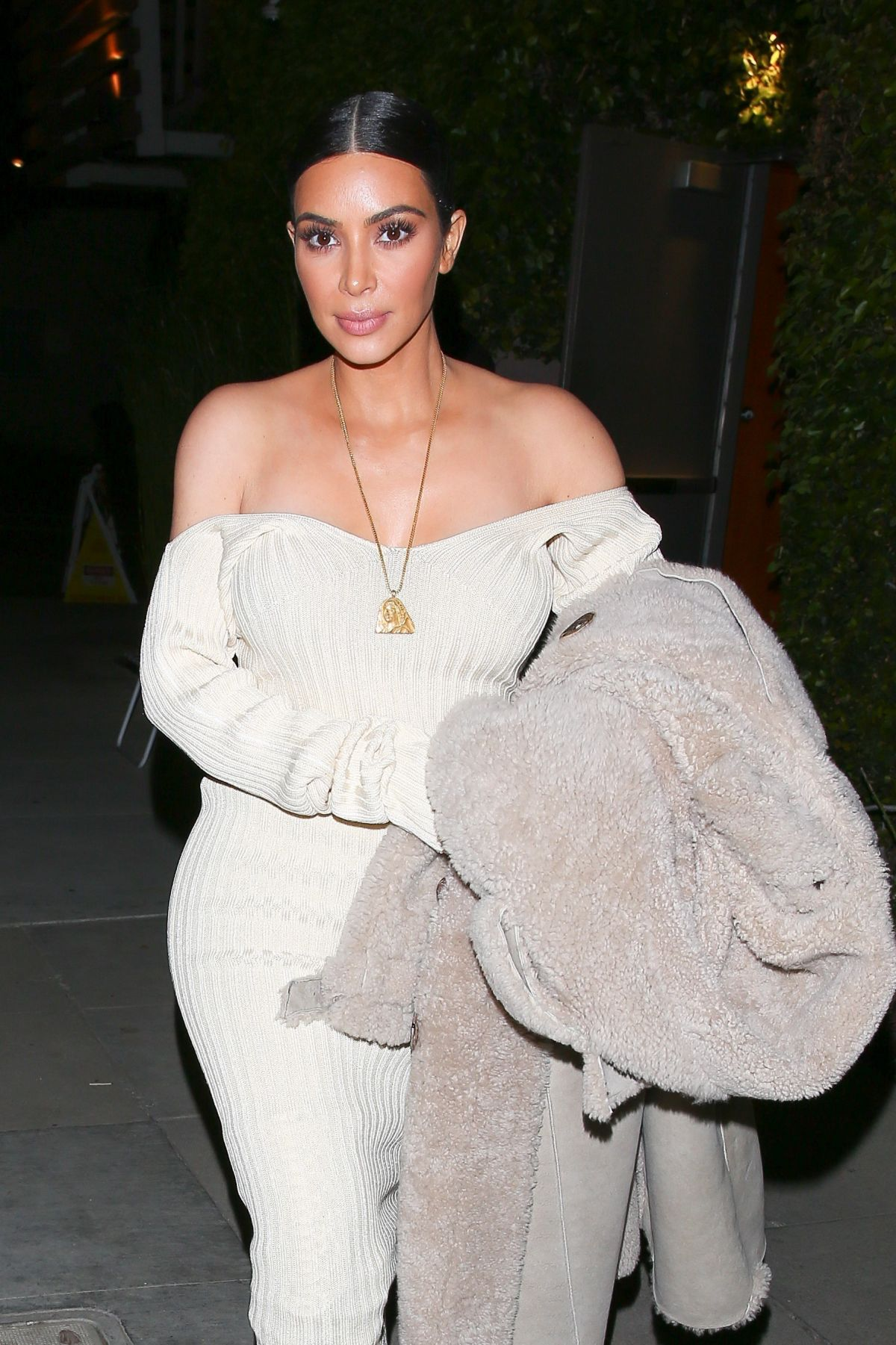 KIM KARDASHIAN Out for Dinner in Los Angeles 03/25/2017