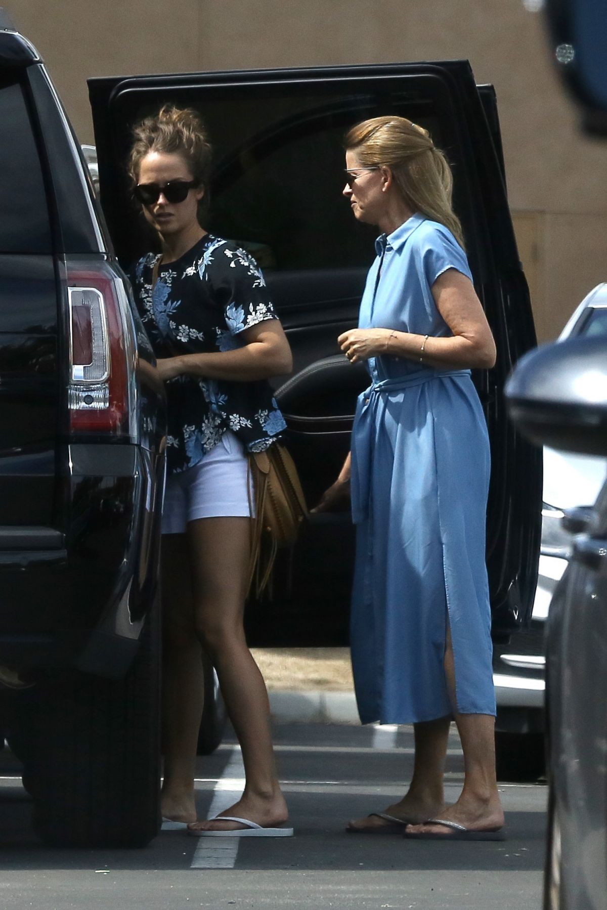 KIM SEARS Out in Palm Springs 03/10/2017