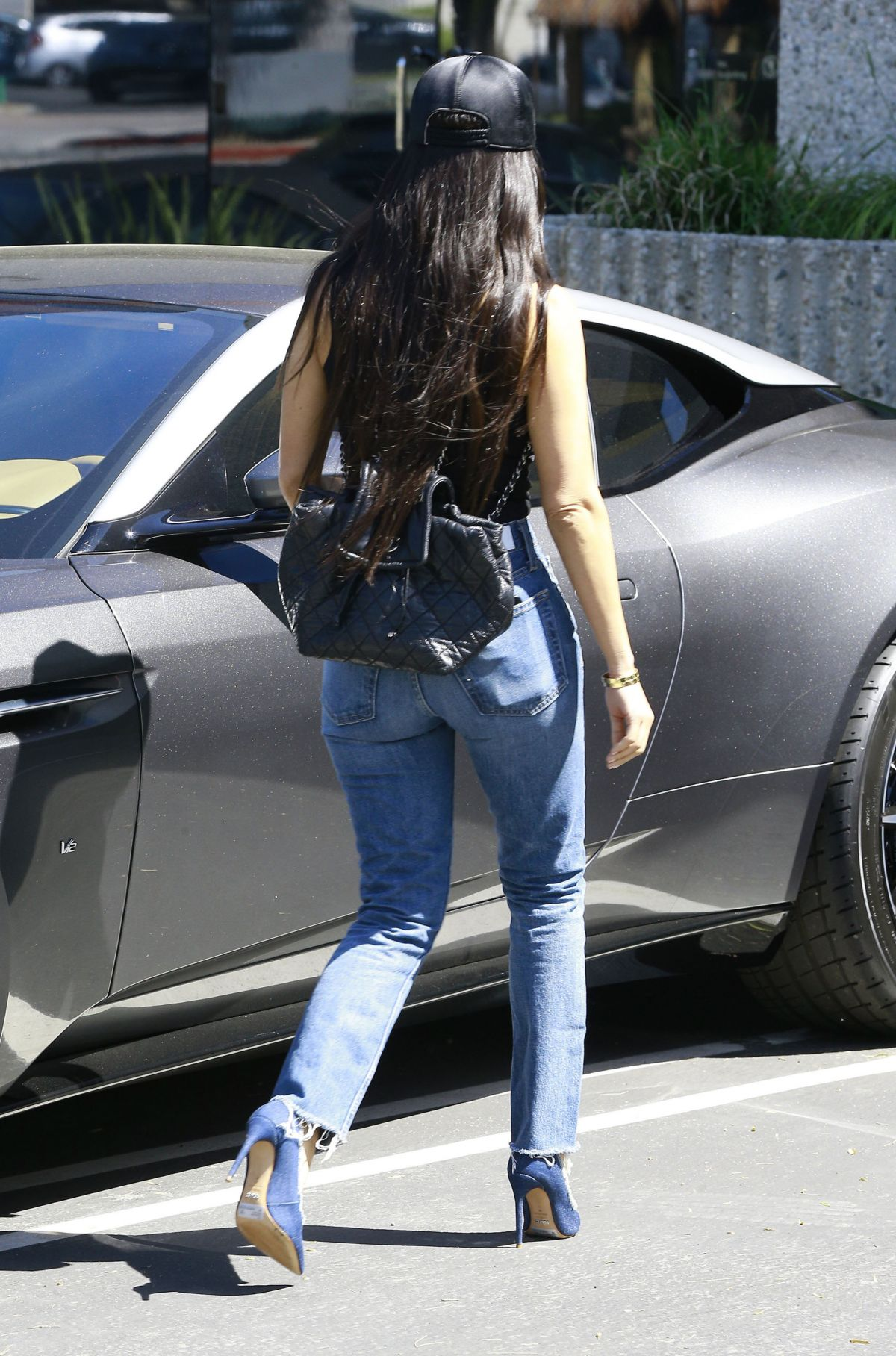 Kourtney Kardashian In Jeans Leaves A Studio In Calabasas 03 29