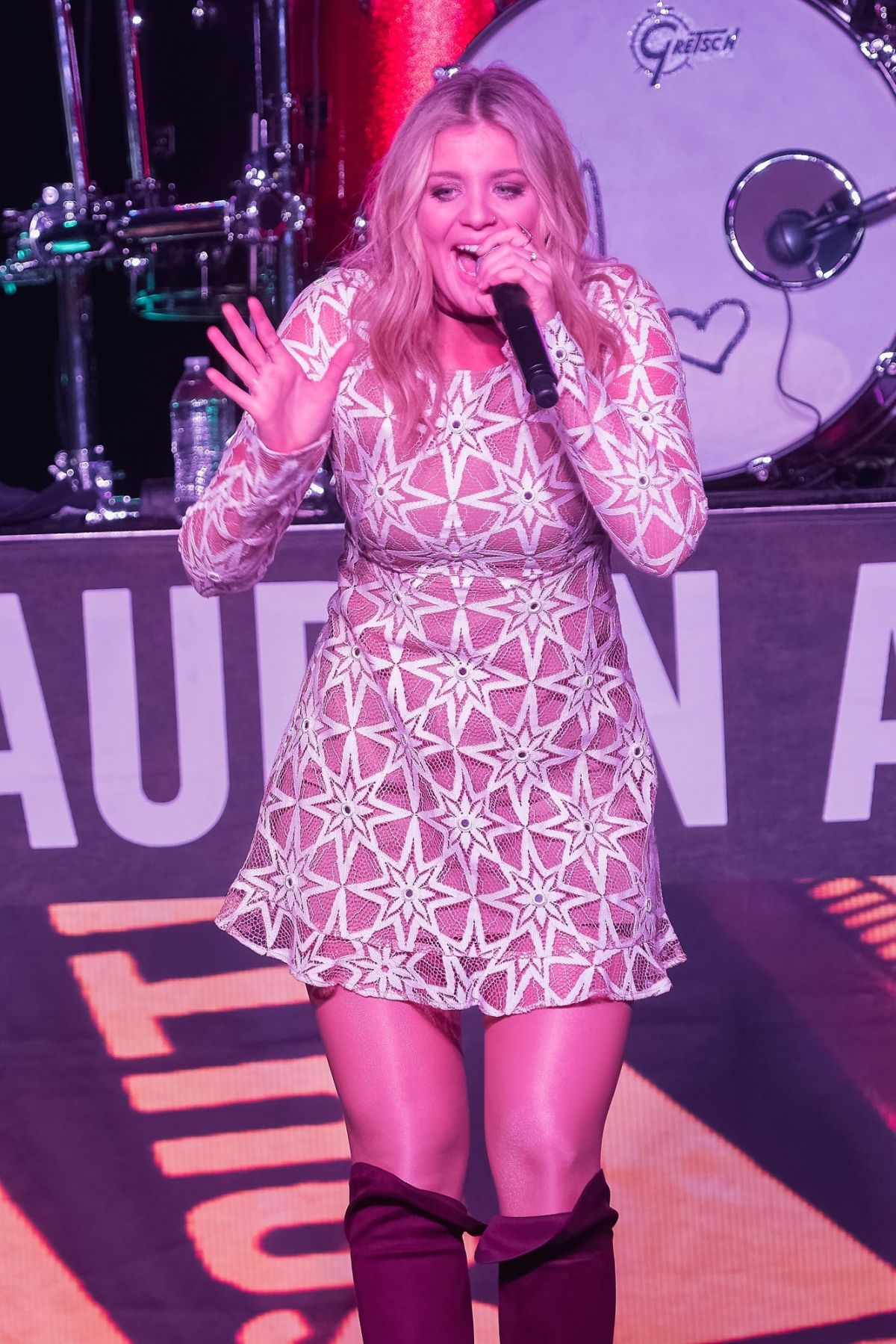 LAUREN ALAINA Performs 7th Annual Runaway Country Music Fest in Kissimmee 03/19/2017
