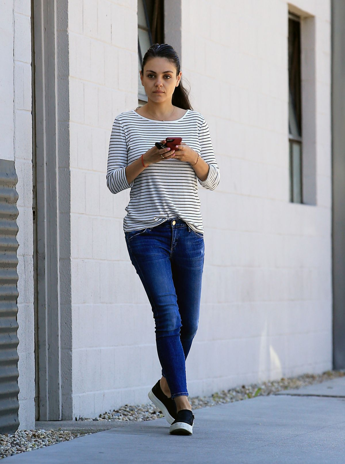 Mila Kunis In Jeans And A Makeup Free Out In Beverly Hills