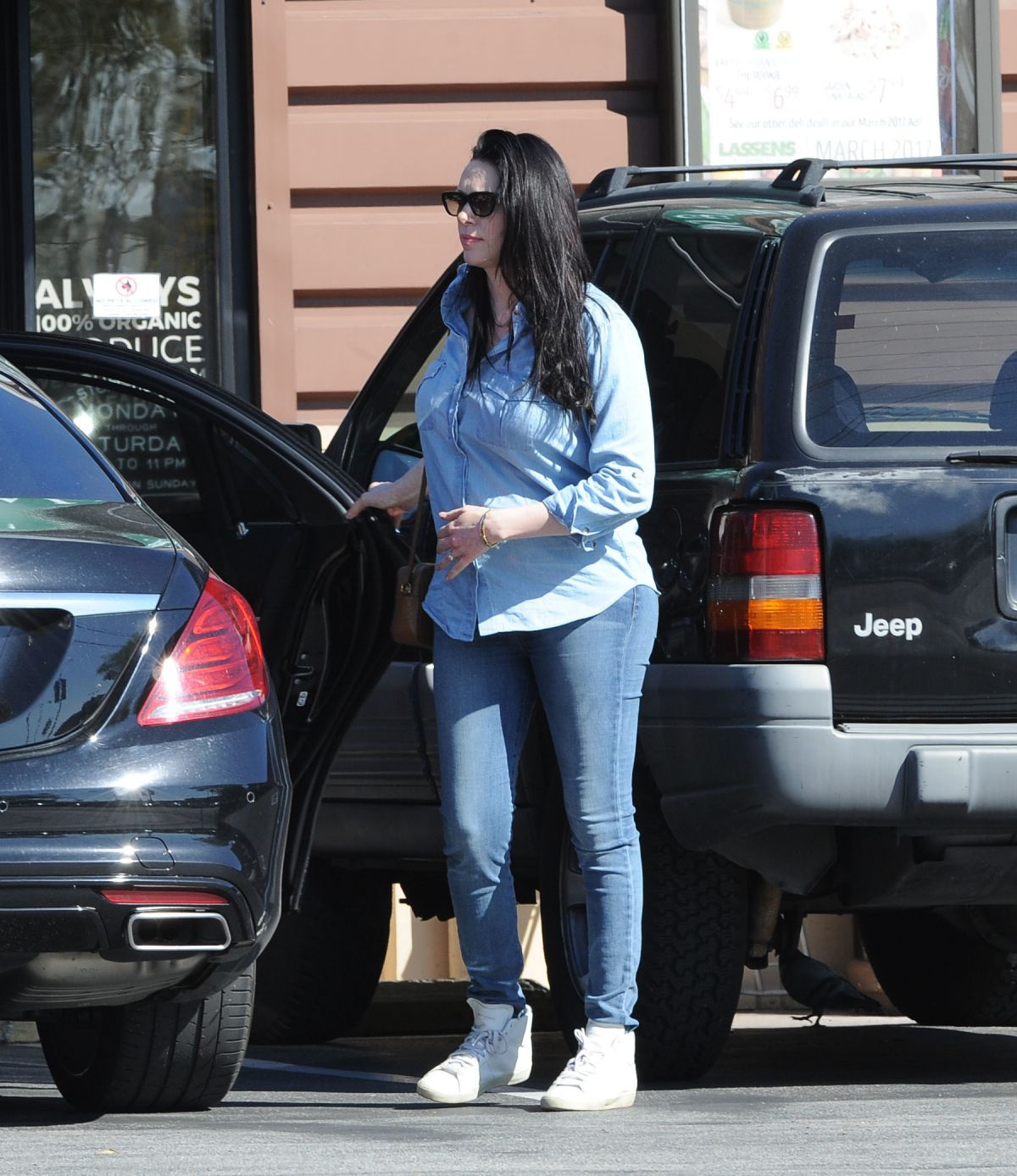 Pregnant LAURA PREPON Out Shopping in Los Angeles 03/12 ...