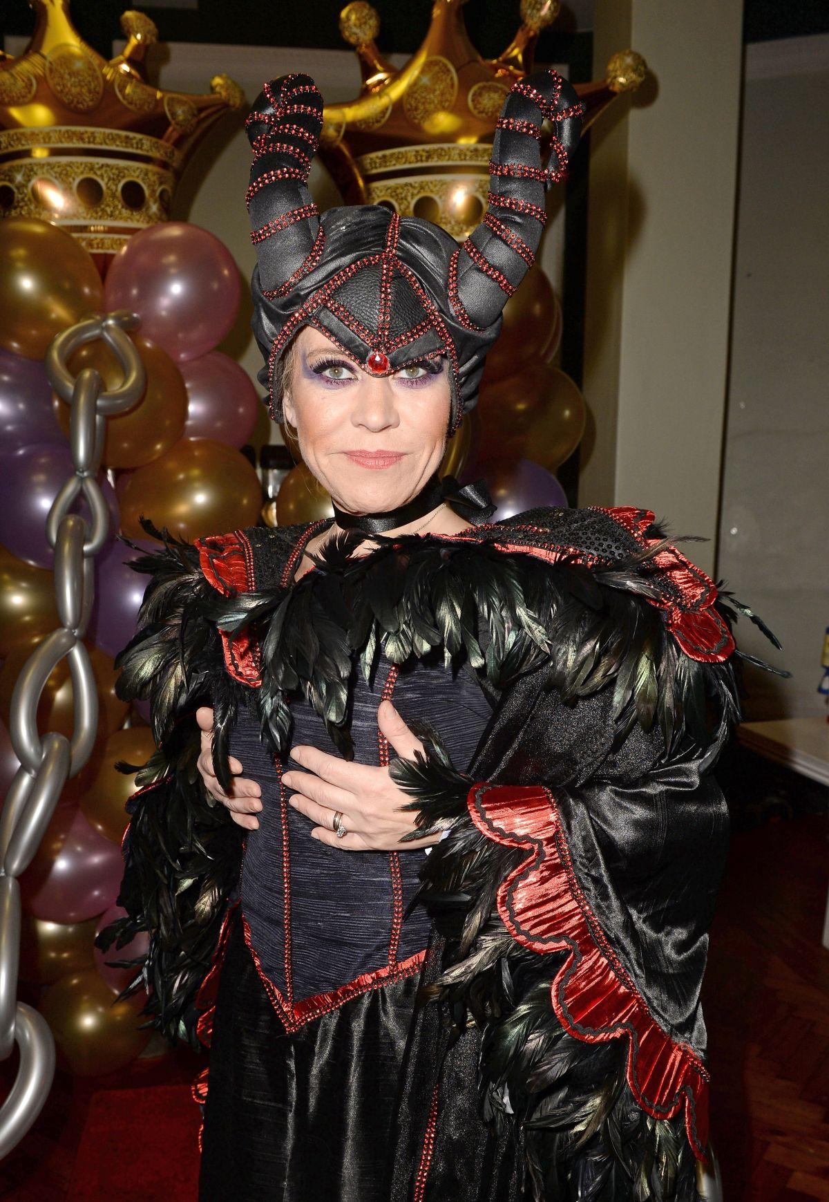 TINA MALONE at Sleeping Beauty Easter Panto Press Launch ...