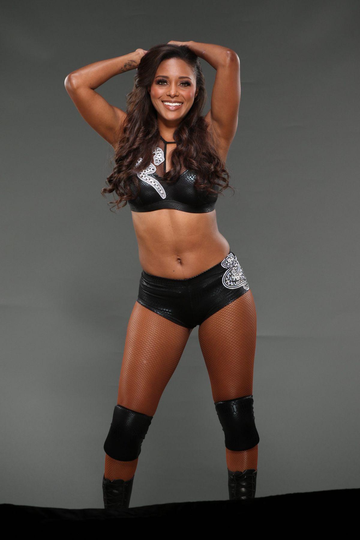 WWE - Brandi Rhodes