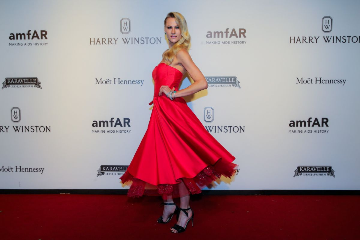 ALICIA KUCZMAN at Amfar Inspiration Gala in Sao Paulo 04/27/2017