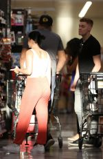 ARIEL WINTER Shopping at Ralphs in Sherman Oaks 04/02/2017