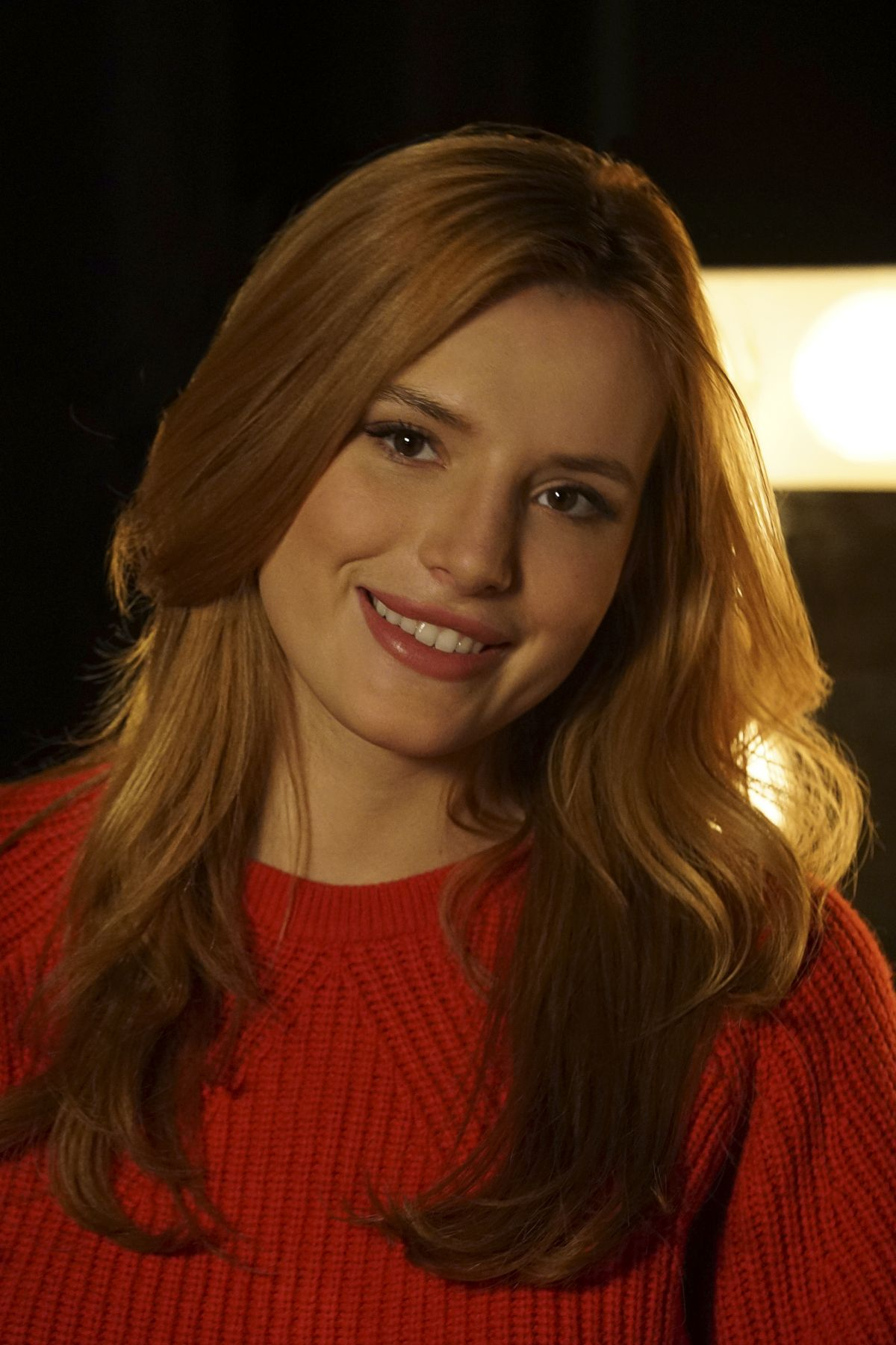 BELLA THORNE - Famous in Love, Season One Promos