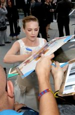 BRITT ROBERTSON Signing Autographs for the Fans in Los Angeles 04/17/2017