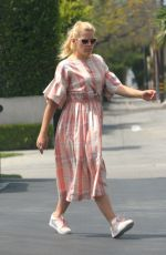 BUSY PHILIPPS Out for Lunch at Mauro