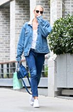 CANDICE SWANEPOEL in Jeans Out and About in New York 04/26/2017