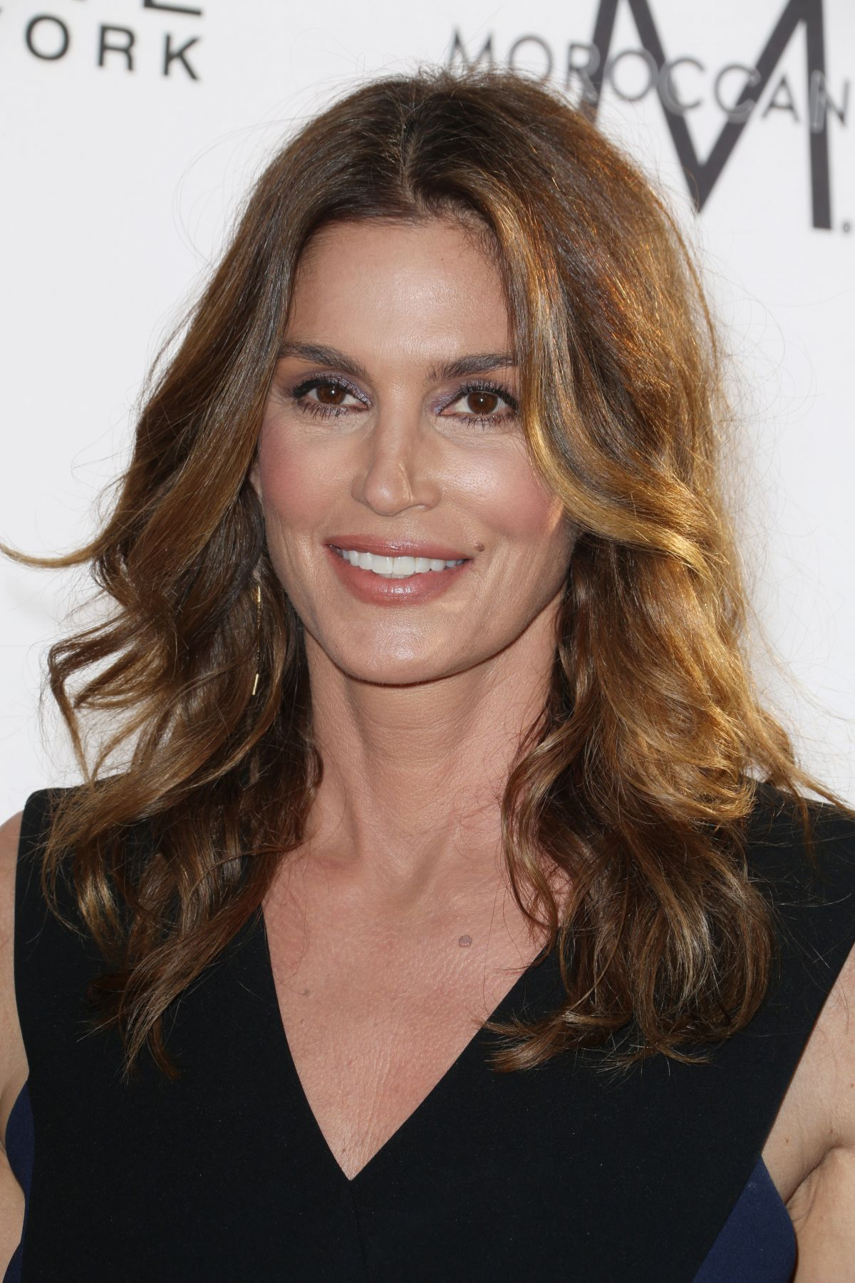 cindy crawford at daily front row s 3rd annual fashion los