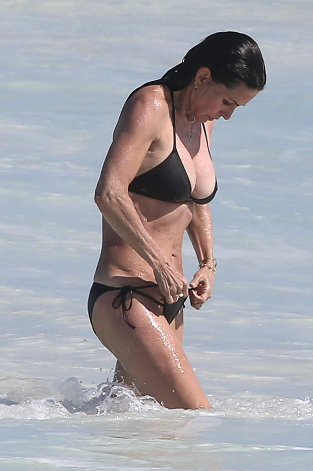 Courteney cox bikini