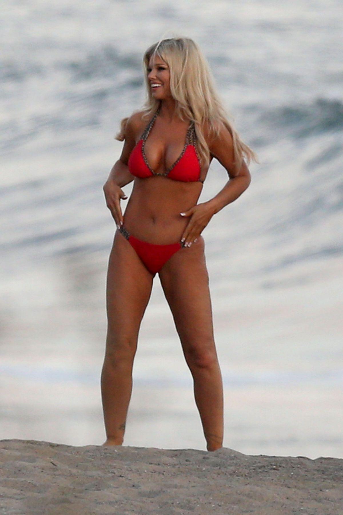 Donna D?Errico Nude Photos 50