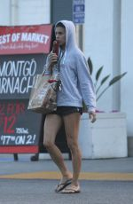 ELISABETTA CANALIS Shoping at Bristol Farms in Los Angeles 04/15/2017